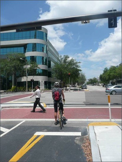 An example of a complete street already built in downtown St. Petersburg (photo courtesty of the City of St. Petersburg).